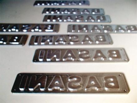 Placas identificatorias para rotomoldeo
